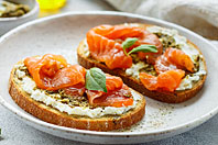 Cold Smoked Silver Salmon Lox